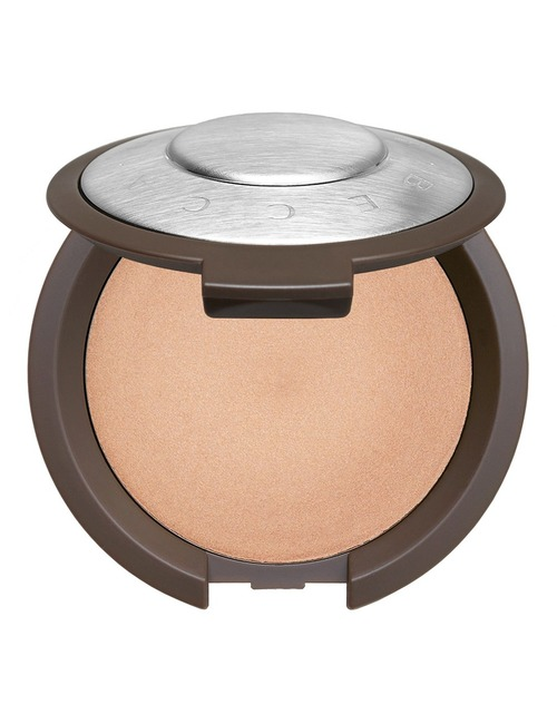 Closeup   zoom 7bab1797eb62774b021fe09e9002cd108a400a33 1466481316 shimmering skin perf poured champagne pop web