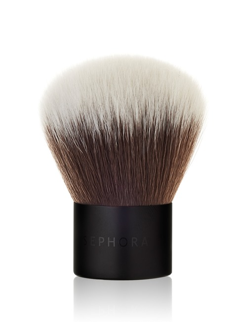 Closeup   black brush 14 complexion kabuki 47 web
