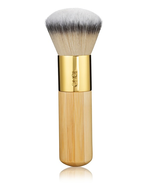 Closeup   the buffer airbrush finish bamboo foundation brush